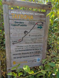 Cartel a la entrada del sendero